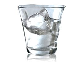 二日酔い予防には水を飲むことが大事